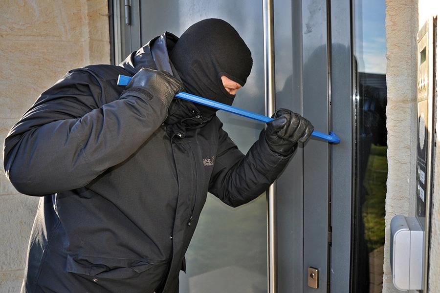Einbrecher an Haustür